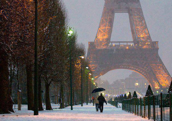 eiffel winter